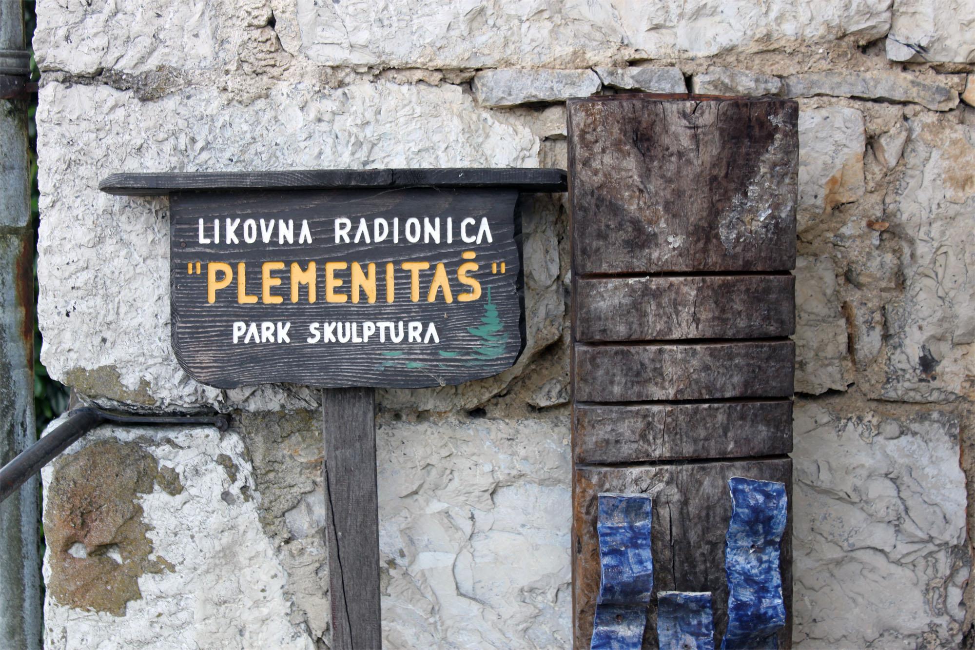 PLEMENITAS_sm_0027_arriving_in_plemenitas